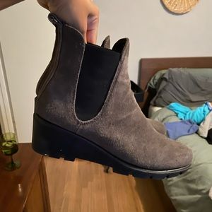 Flex gray leather boots